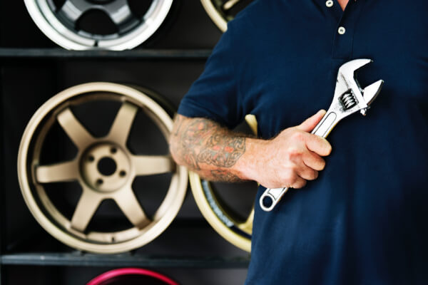 Mechanic with Wrensh - 24 hour service and support